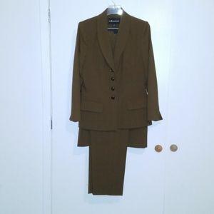 Sag Harbor 3 Piece Suit. Brand NWT.  Size: 12
